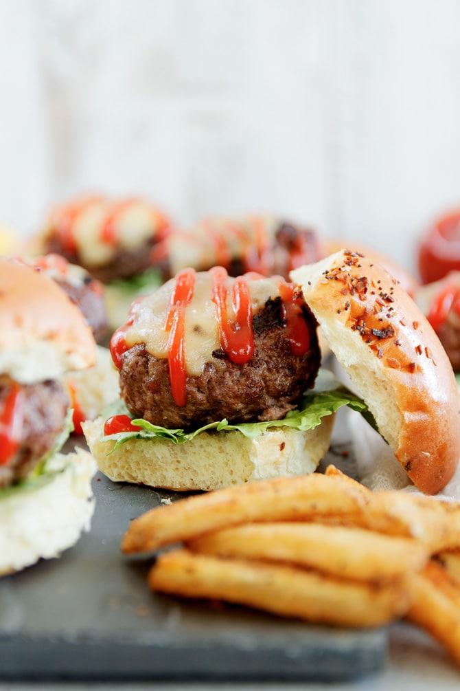 Spicy Mustard Cheeseburger Sliders