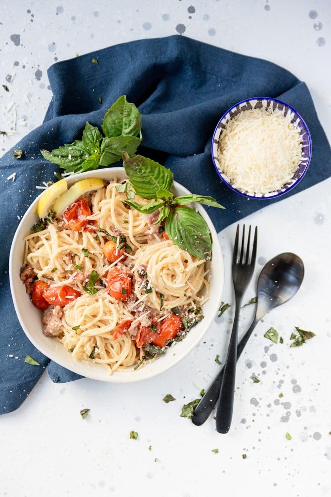 Tomato Bacon Spaghetti Carbonara